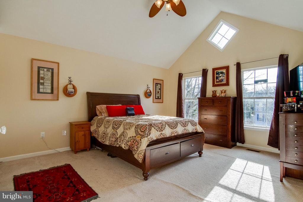 Lovely vaulted ceiling in Master Bedroom - 3704 THOMASSON CROSSING DR, TRIANGLE