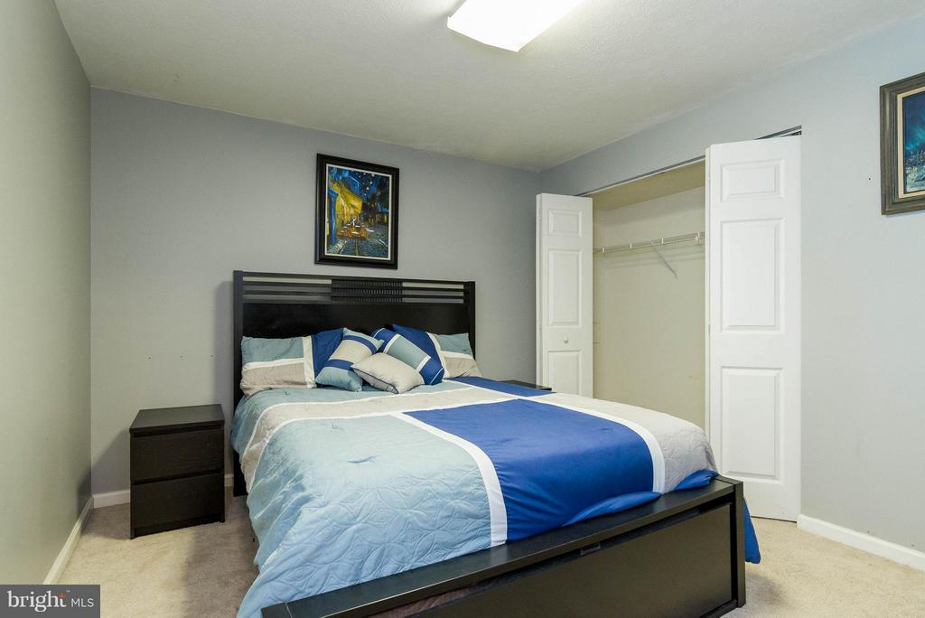 Den/possible spare bedroom w/large closet - 3704 THOMASSON CROSSING DR, TRIANGLE