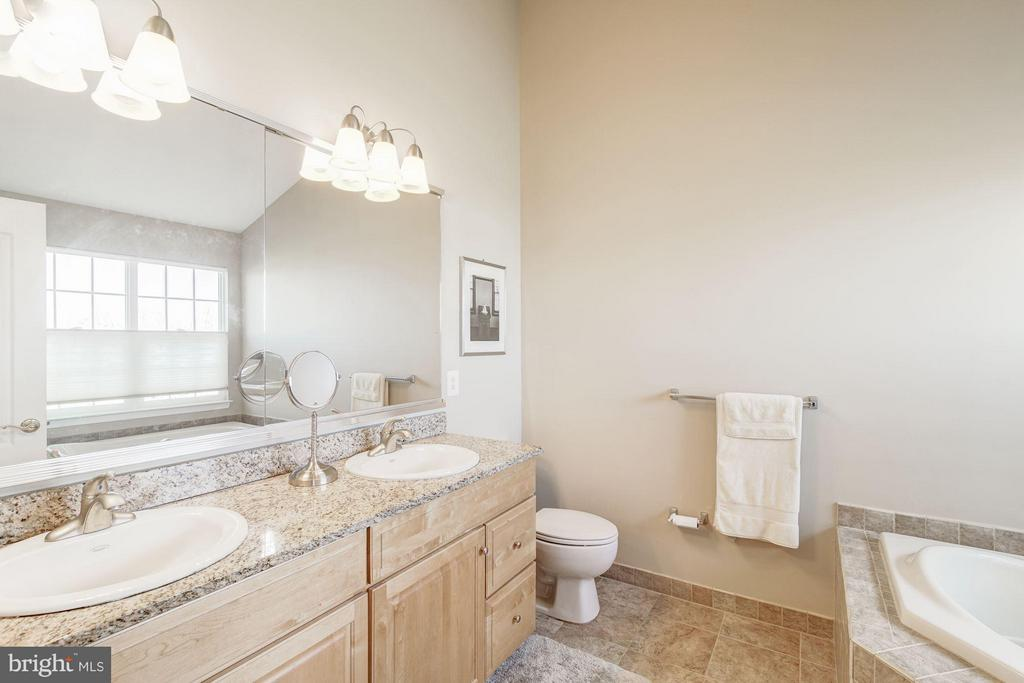 Owner's Bath - 43226 BALTUSROL TER, ASHBURN