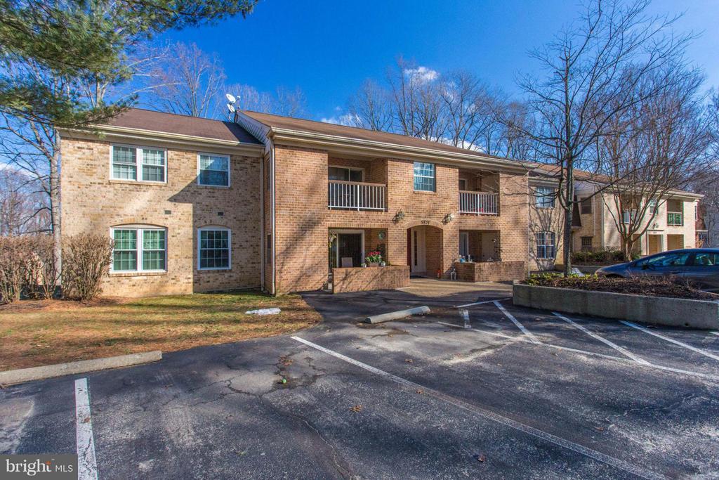 5831  COVE LANDING ROAD  202, Burke, Virginia