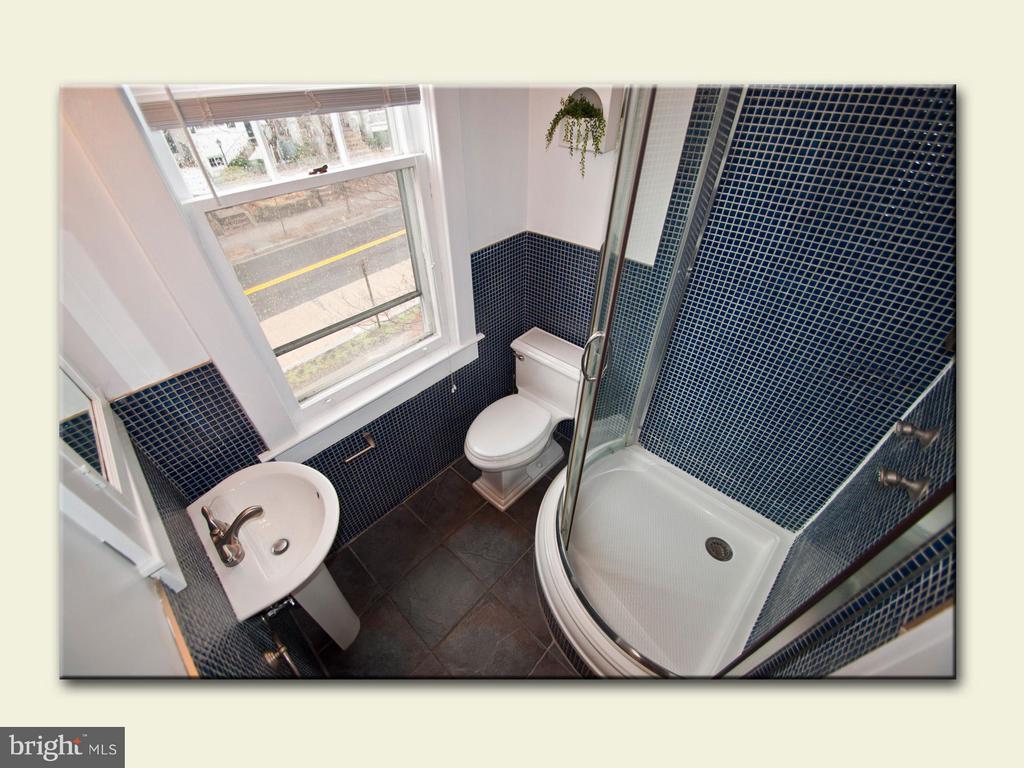 Bathroom 1 - 2001 37TH ST NW, WASHINGTON