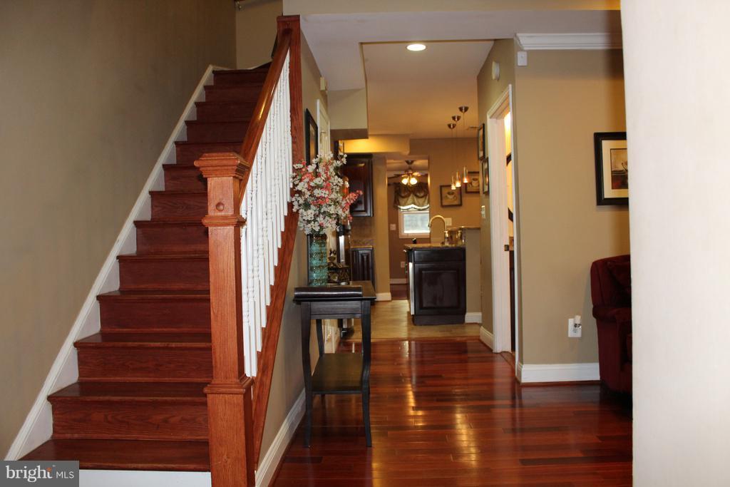 Upon entering notice the gleaming hardwoods! - 1724 BAY ST SE, WASHINGTON