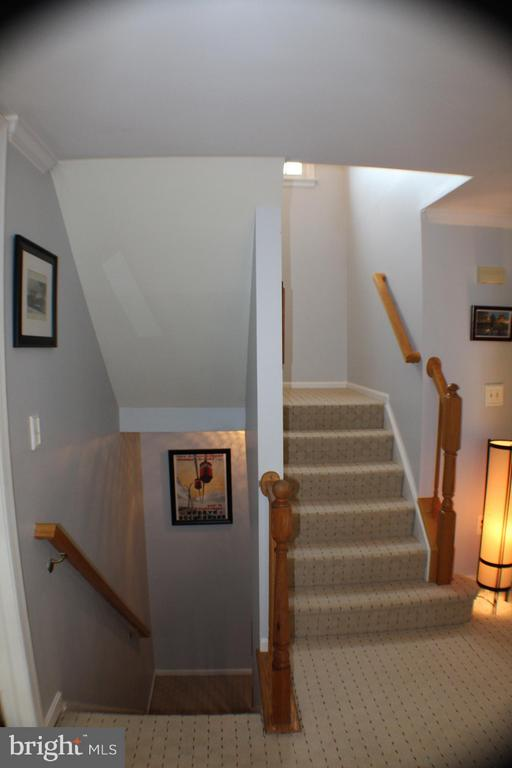 Main Level Stairwell - 6606 FORSYTHIA ST, SPRINGFIELD