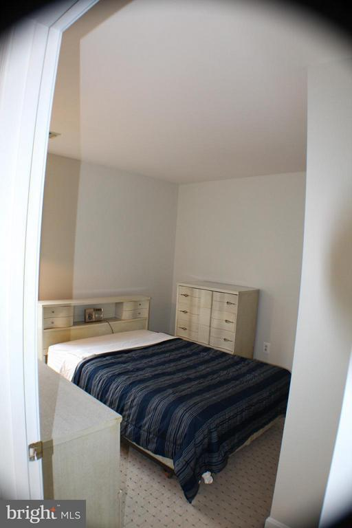 Upper Bedroom 3 - 6606 FORSYTHIA ST, SPRINGFIELD