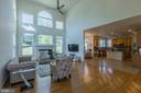 Spacious Family Room with high ceilings - 46909 BACKWATER DR, STERLING