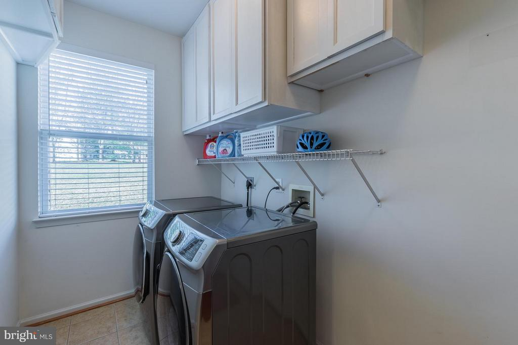 Brand New Front Loading Washer Dryer - 46909 BACKWATER DR, STERLING