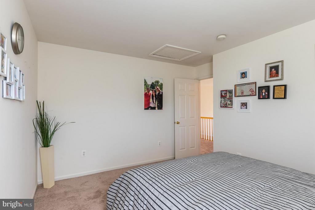 Bedroom number4 lot of sunlight - 46909 BACKWATER DR, STERLING