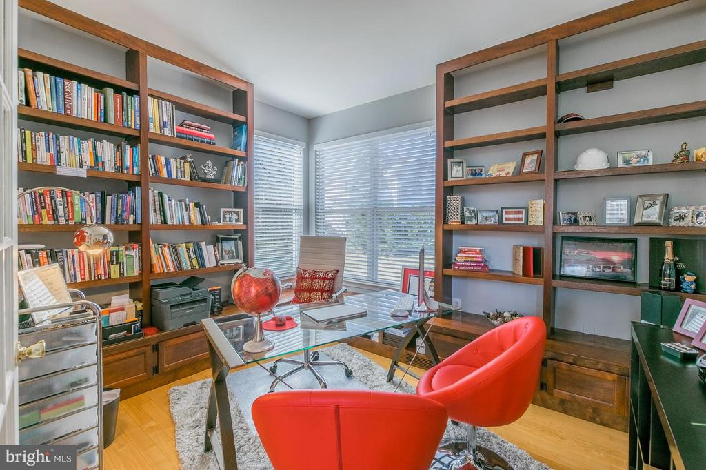 Library main Floor - 46909 BACKWATER DR, STERLING