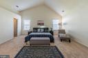 Huge master bedroom - 46909 BACKWATER DR, STERLING