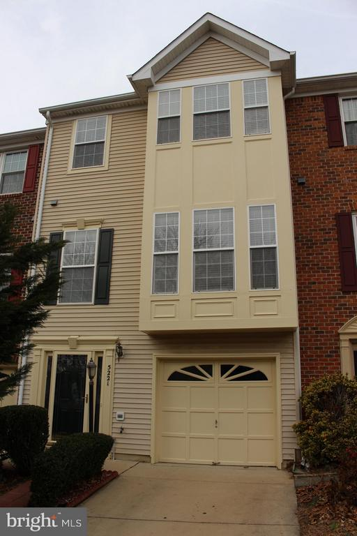 5221  BALLYCASTLE CIRCLE, Alexandria, Virginia