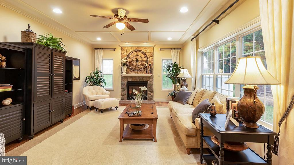 Family room with tons of natural light - 101 FEATHERDALE CIR, FAYETTEVILLE