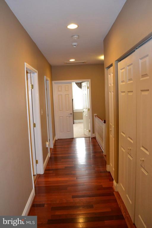 Upper Level Hallway, looking into Master Bedroom. - 1724 BAY ST SE, WASHINGTON