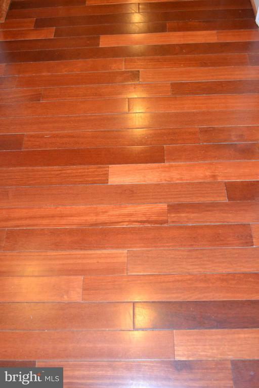Upper level wood flooring. - 1724 BAY ST SE, WASHINGTON