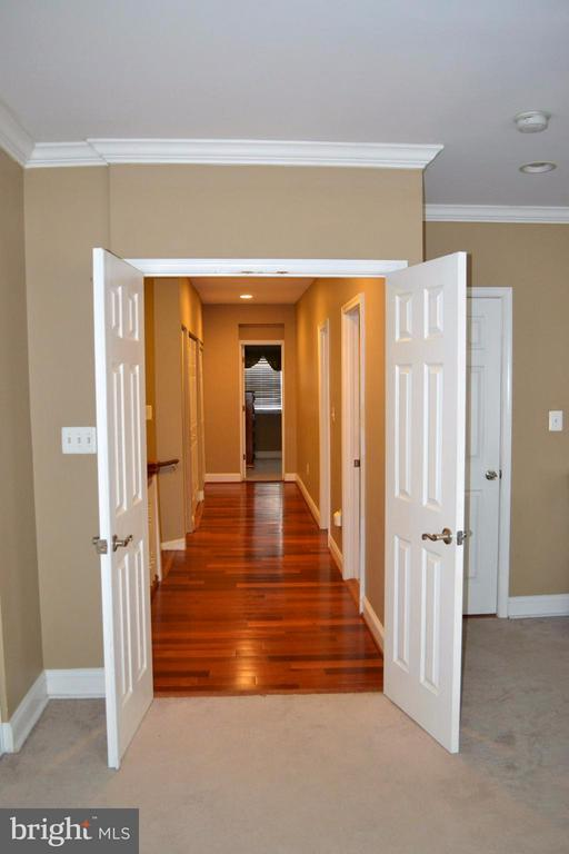 Looking into the hallway from the Master Bedroom. - 1724 BAY ST SE, WASHINGTON