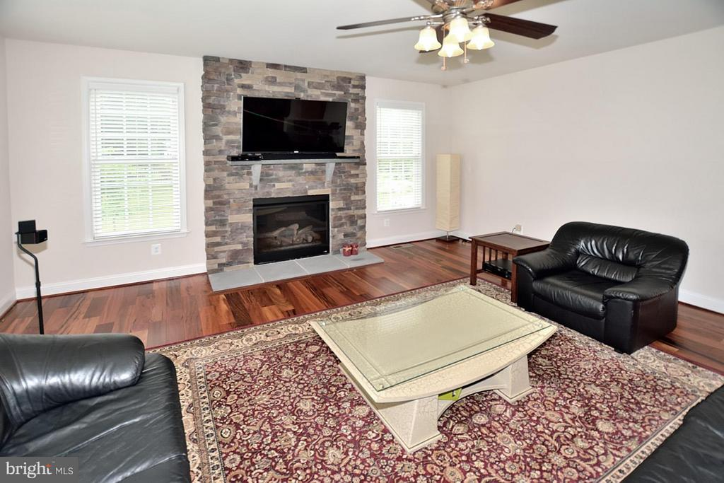 Family Room w/Floor-to-Ceiling Stone Gas Fireplace - 3145 BARBARA LN, FAIRFAX