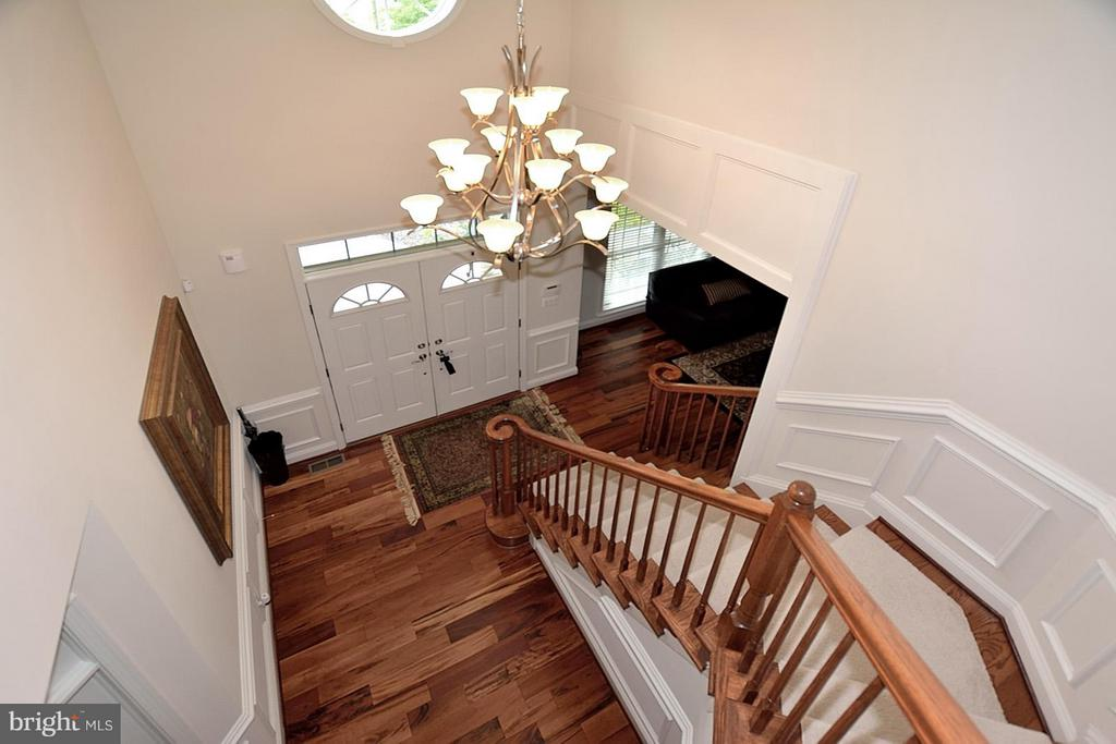 Two Story Foyer w/ Chair Railing and Wainscoting - 3145 BARBARA LN, FAIRFAX