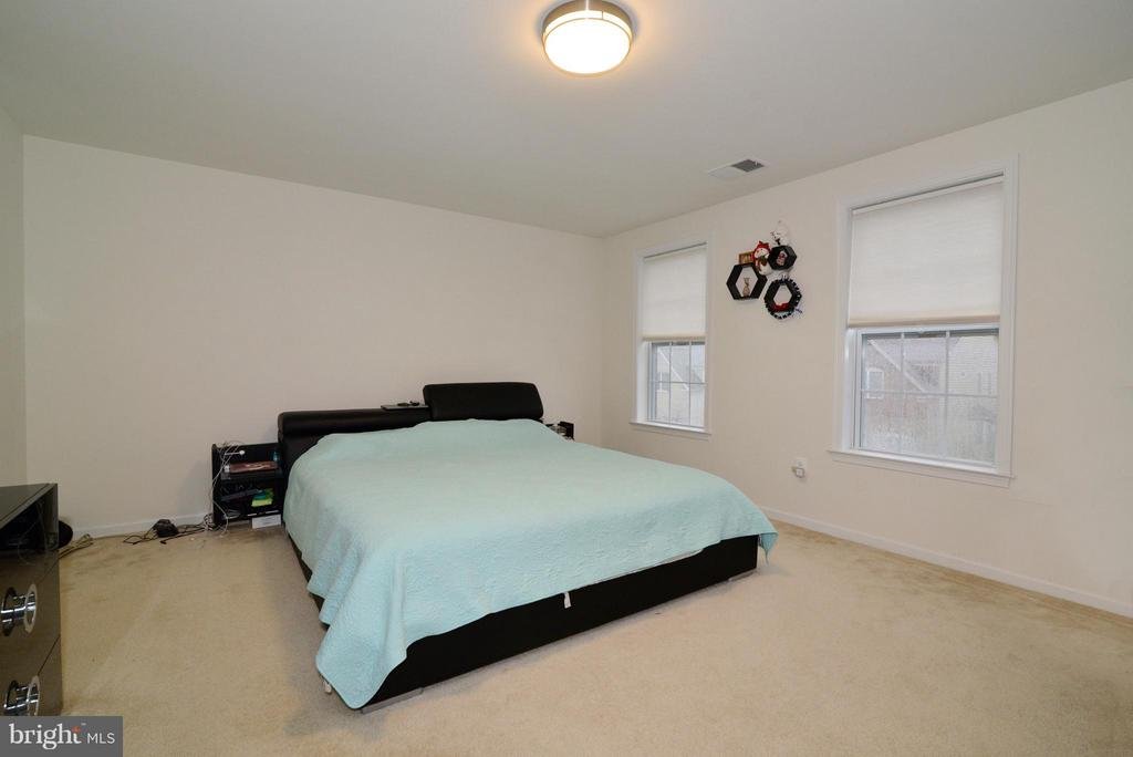 Bedroom 2 - 43029 ASHLEY HEIGHTS CIR, ASHBURN