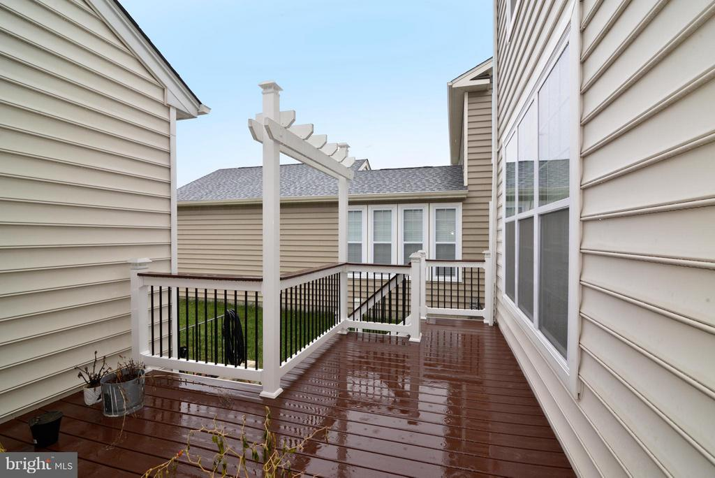 Deck - 43029 ASHLEY HEIGHTS CIR, ASHBURN