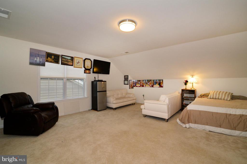 Loft - 43029 ASHLEY HEIGHTS CIR, ASHBURN