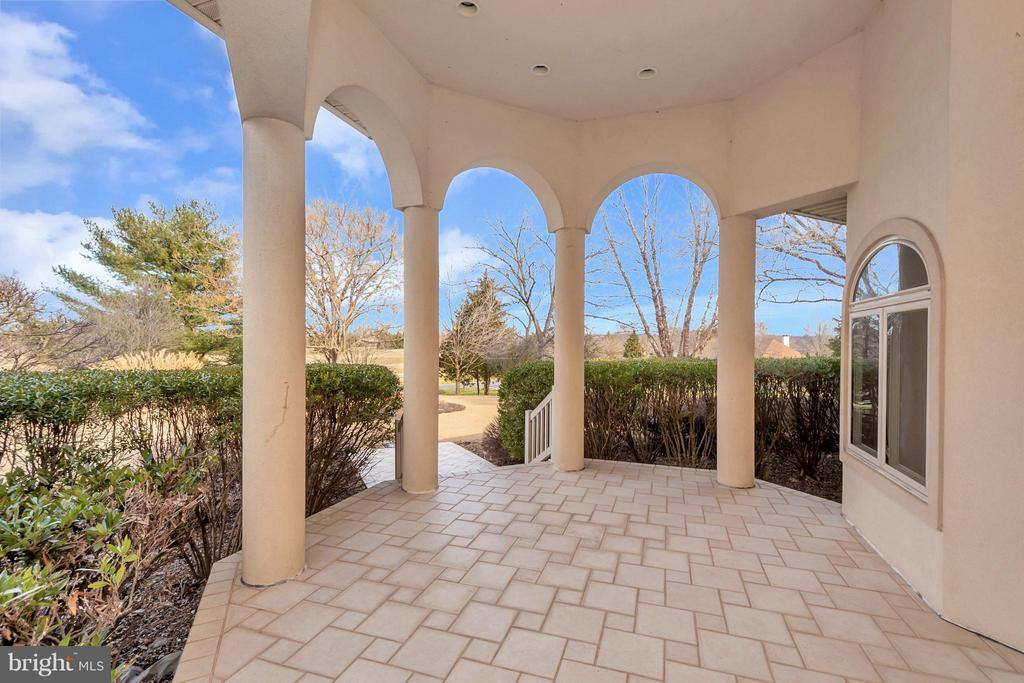 Front porch overlooking North Club - 11227 N CLUB DR, FREDERICKSBURG