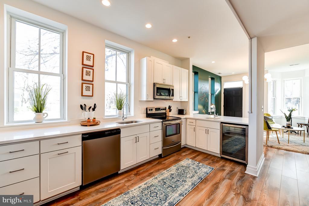 Large Kitchen - 1101 S ST NW, WASHINGTON