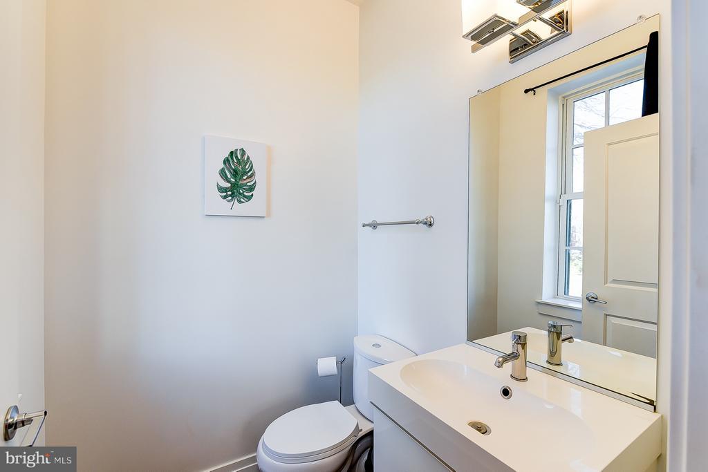 Half Bath on First Floor - 1101 S ST NW, WASHINGTON
