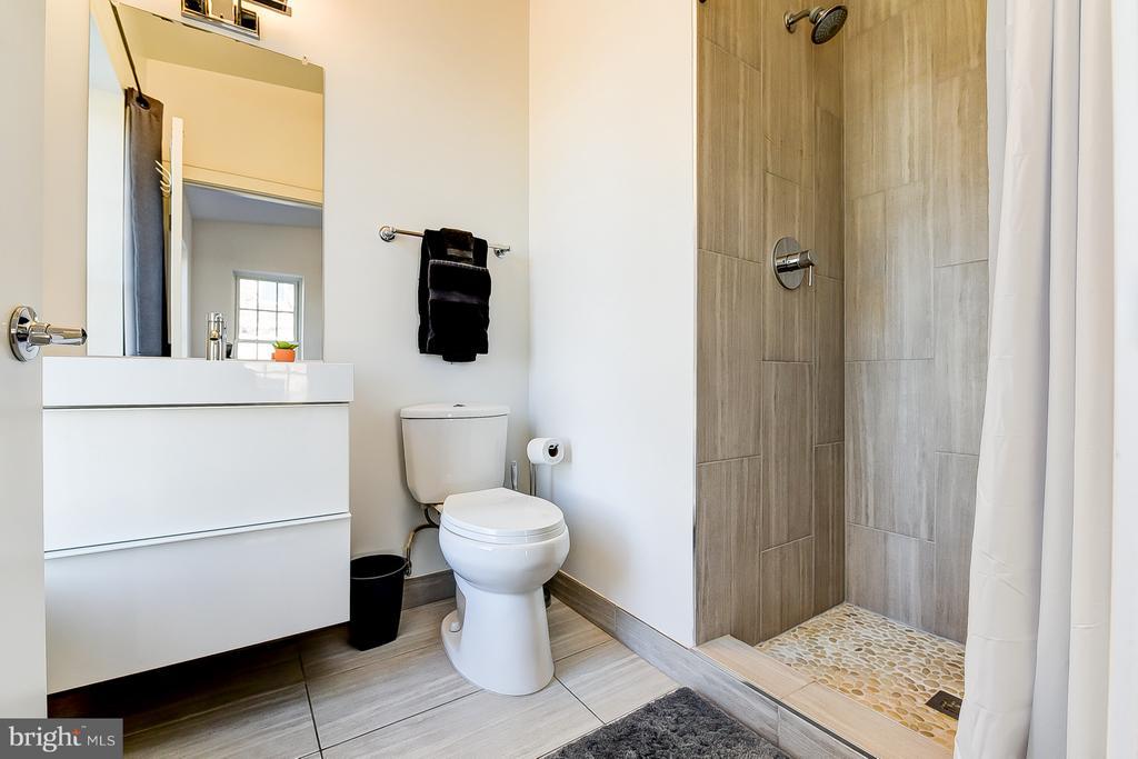 En-Suite Master Bath - 1101 S ST NW, WASHINGTON