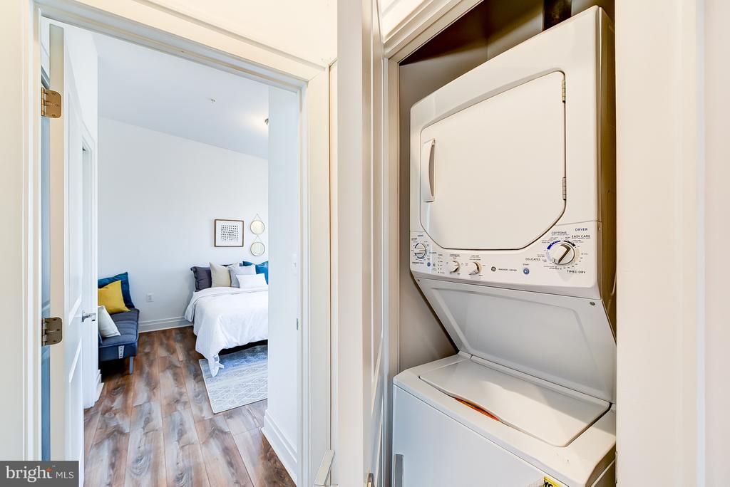 Washer/Dryer (Upstairs 1/2) - 1101 S ST NW, WASHINGTON