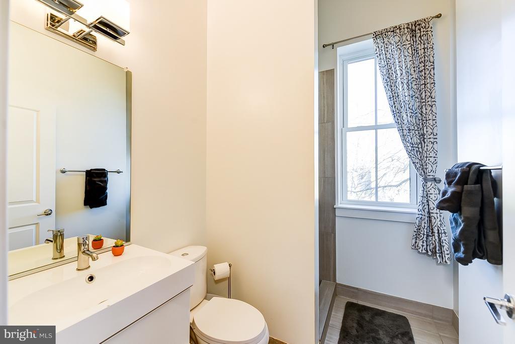Upstairs Full Bath - 1101 S ST NW, WASHINGTON