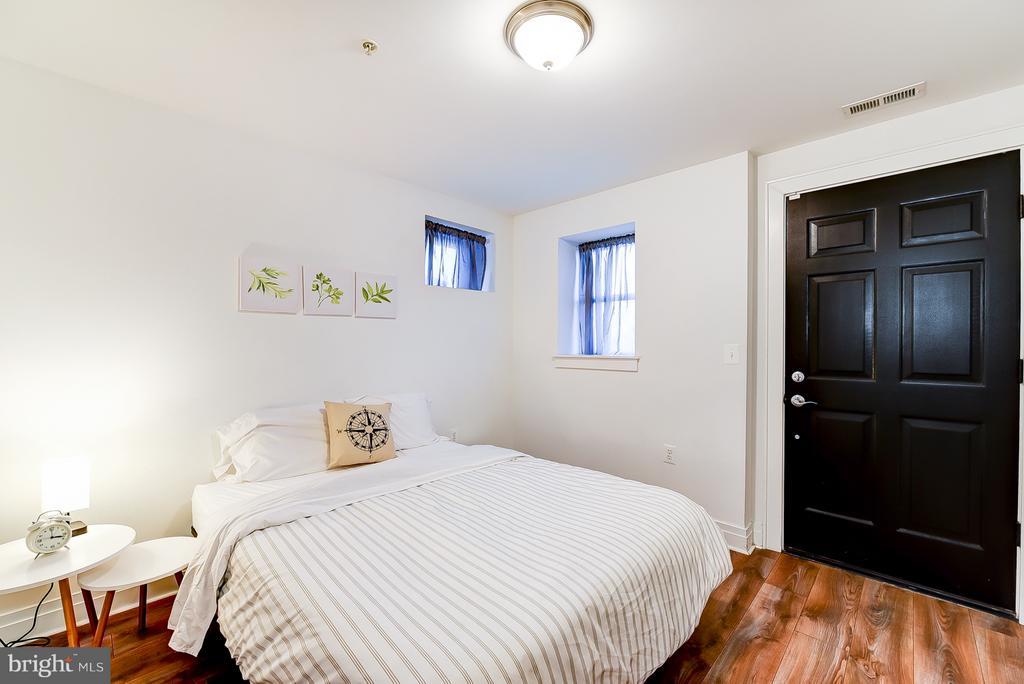Lower Level Master Bedroom w/Basement Access - 1101 S ST NW, WASHINGTON