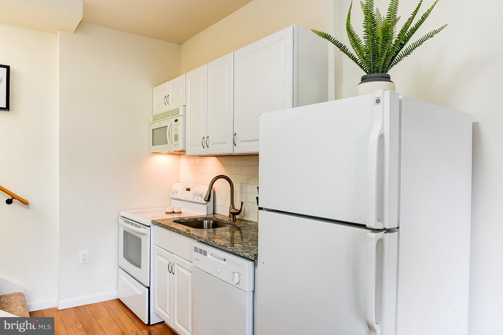 Carriage  House Kitchen - 1101 S ST NW, WASHINGTON
