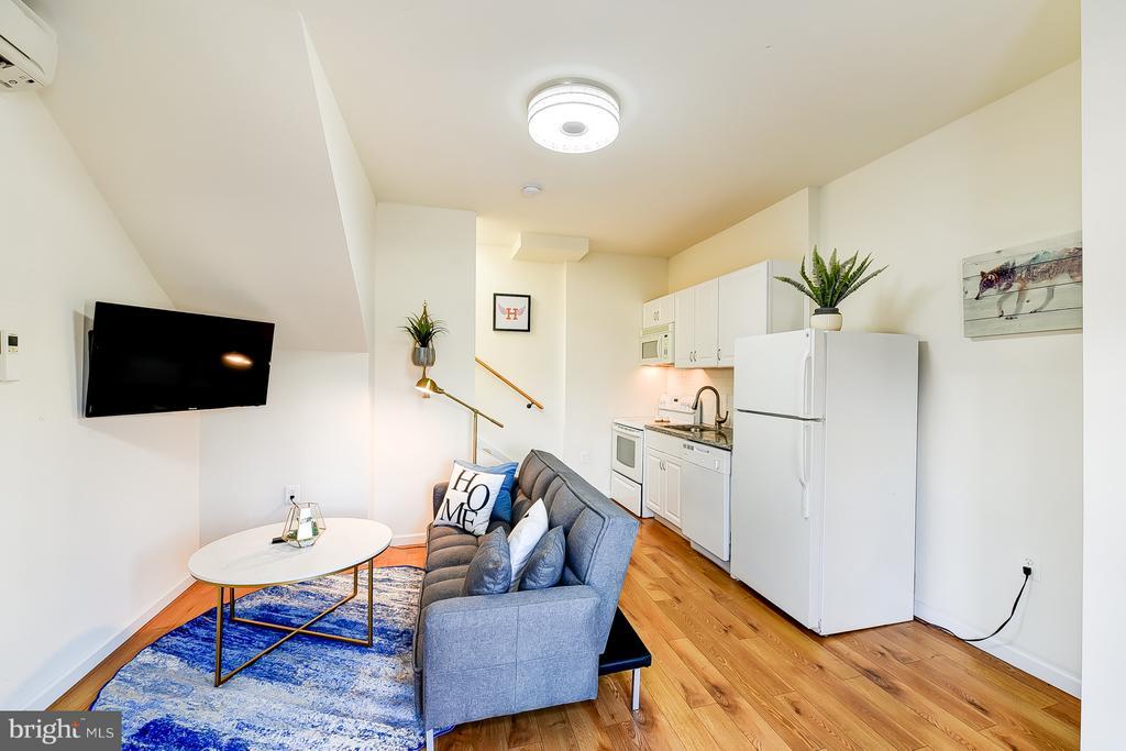 Carriage House Living/Kitchen - 1101 S ST NW, WASHINGTON