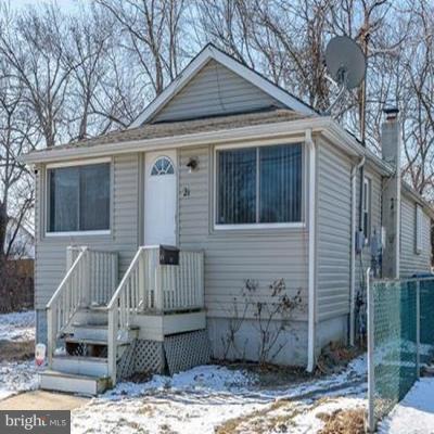 Single Family Homes для того Продажа на Port Monmouth, Нью-Джерси 07758 Соединенные Штаты