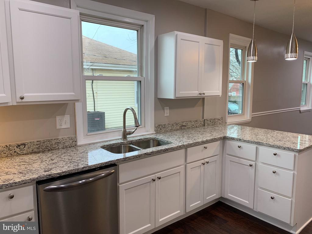 Granite Counters - 7105 FRESNO ST, CAPITOL HEIGHTS