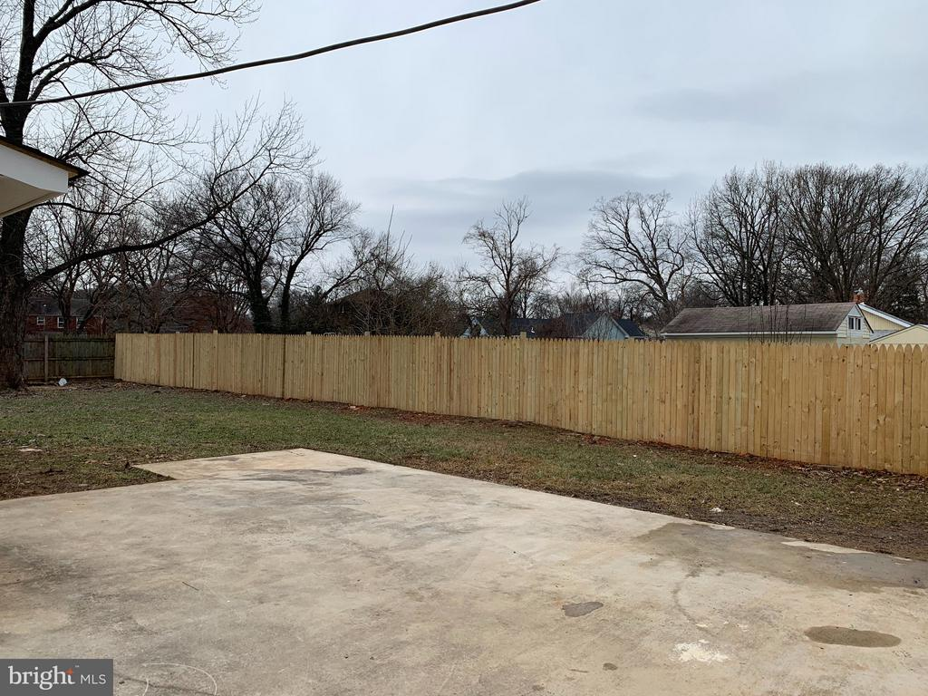 New Fence - 7105 FRESNO ST, CAPITOL HEIGHTS