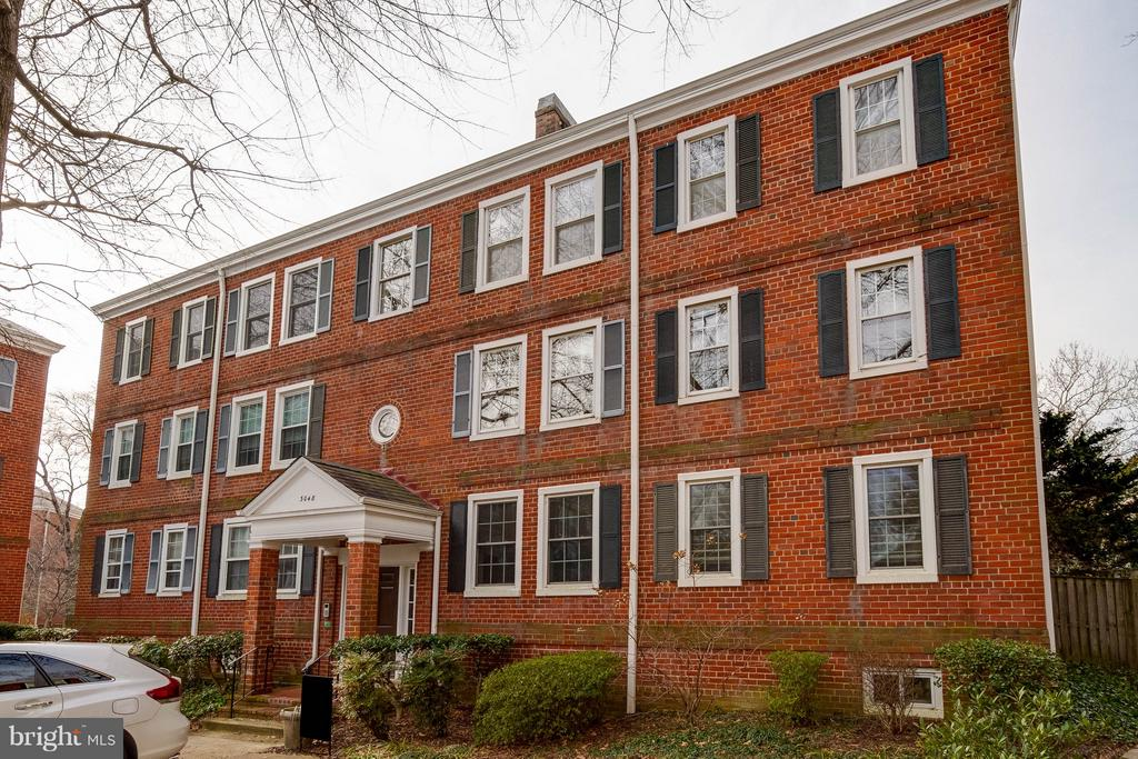 Welcome home - 3048 S BUCHANAN ST #B2, ARLINGTON
