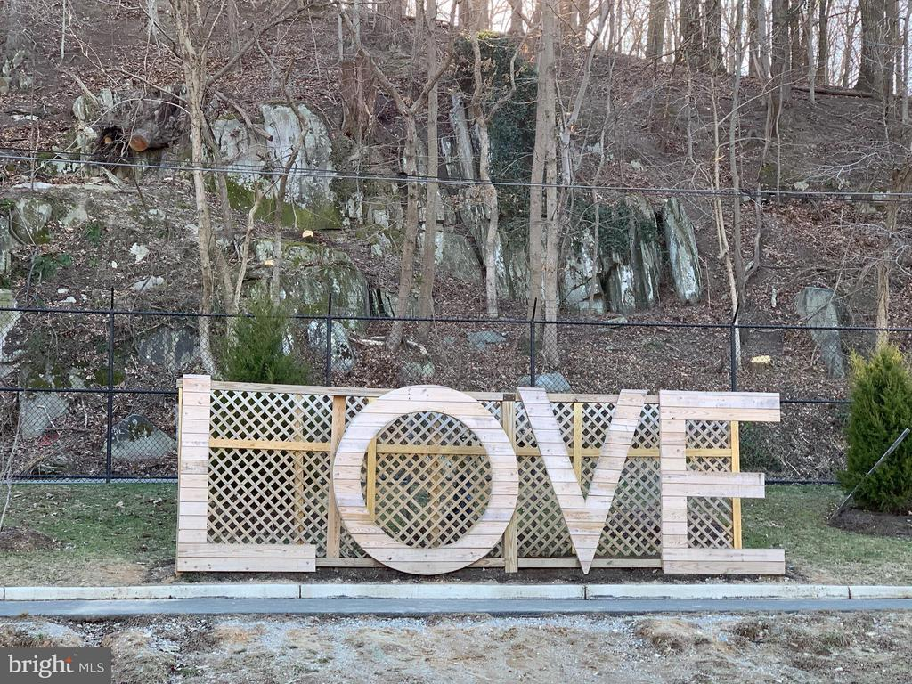Virginia is for Lovers! LOVEwork in Occoquan. - 217 MILL ST, OCCOQUAN