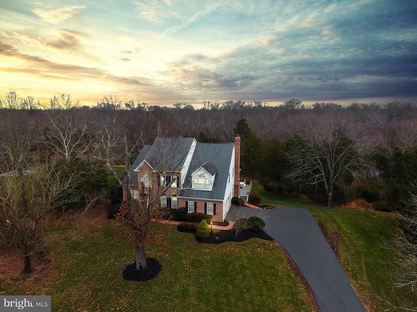 Single Family for Sale at 14928 Cub Run Park Dr 14928 Cub Run Park Dr Centreville, Virginia 20120 United States