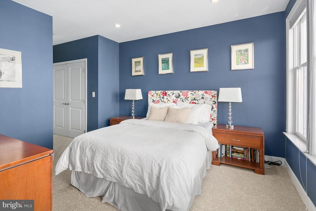 Master bedroom - 1511 N ROLFE ST #A304, ARLINGTON