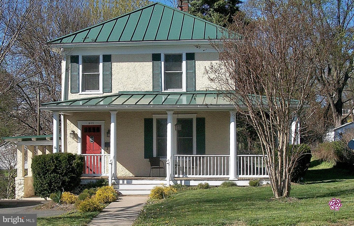 Single Family for Sale at 211 Waterloo St 211 Waterloo St Warrenton, Virginia 20186 United States