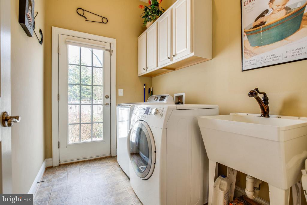 Laundry Room - 1019 E KENSINGTON CIR, FREDERICKSBURG