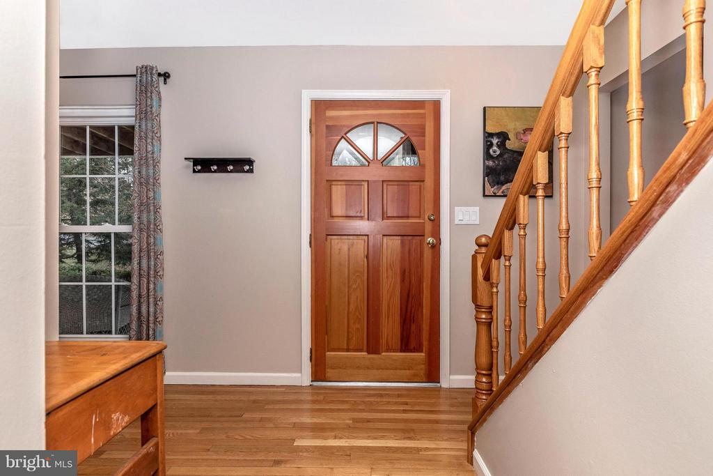 Foyer - 8620 PINECLIFF DR, FREDERICK