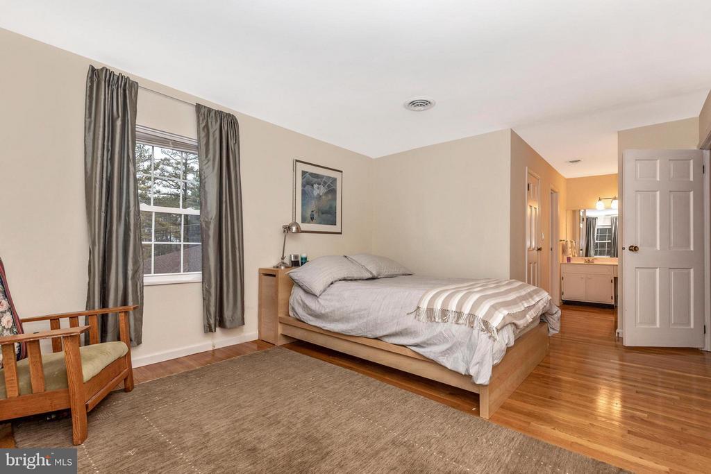 Master Bedroom - 8620 PINECLIFF DR, FREDERICK