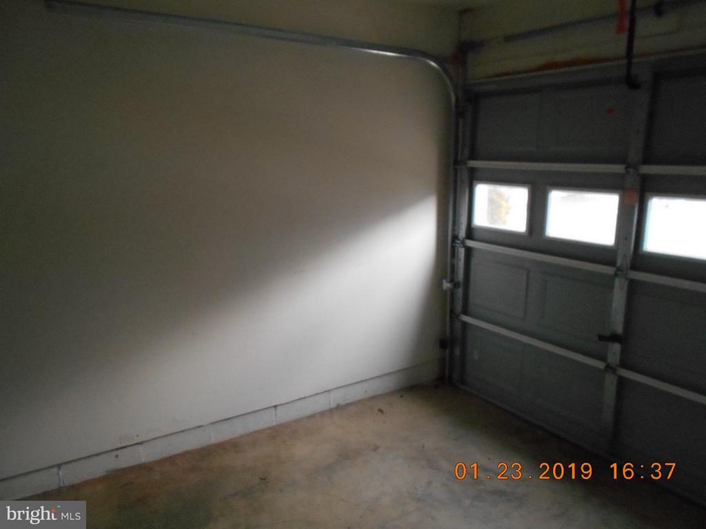 Garage - 7115 WYTHEVILLE CIR, FREDERICKSBURG