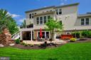 Exceptional outdoor living backs to conservancy - 41139 WHITE CEDAR CT, ALDIE