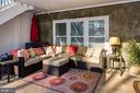 Patio retreat, backing to treed conservancy. - 41139 WHITE CEDAR CT, ALDIE