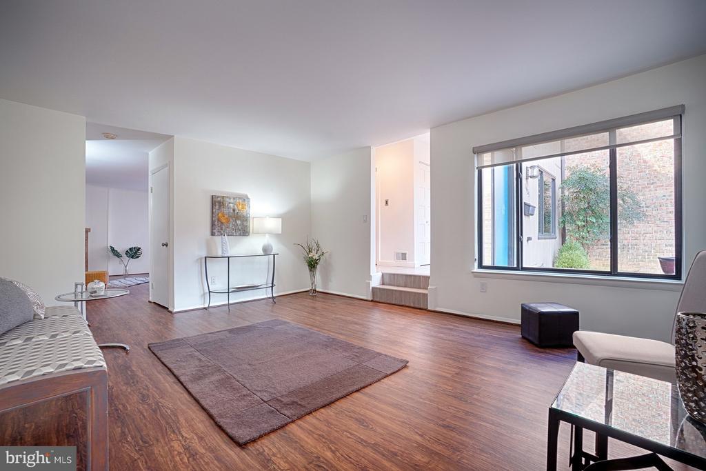 Living Room - 1425 GREEN RUN LN, RESTON