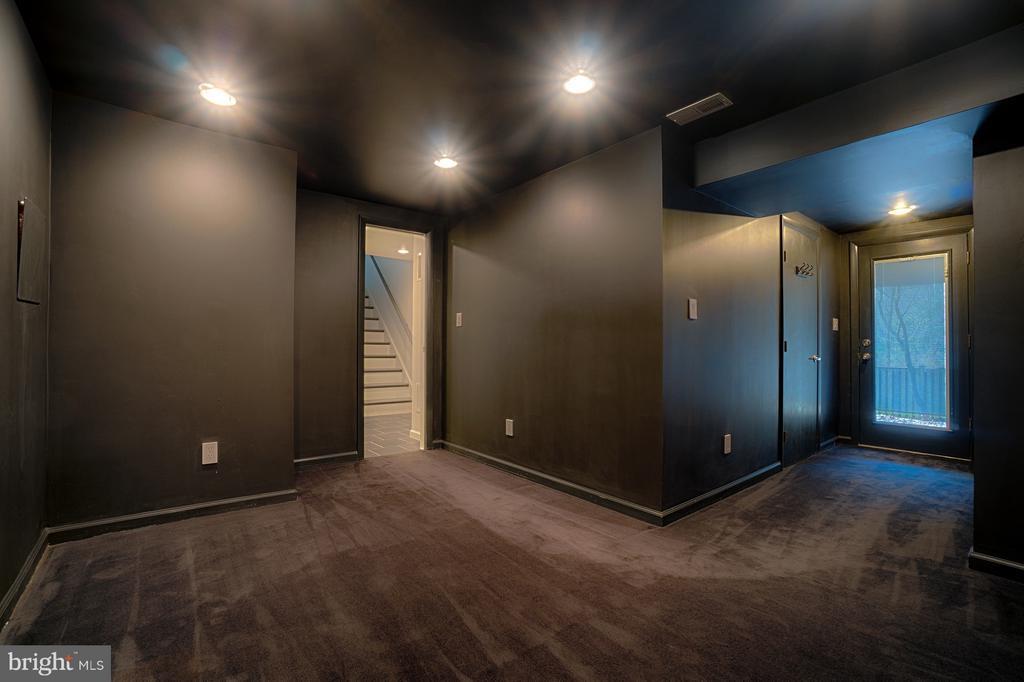 Lower Level Media or Exercise Room - 1425 GREEN RUN LN, RESTON