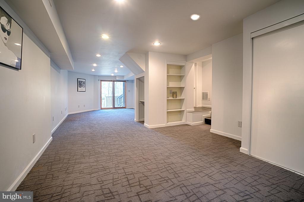 Lower Level Rec Room - 1425 GREEN RUN LN, RESTON
