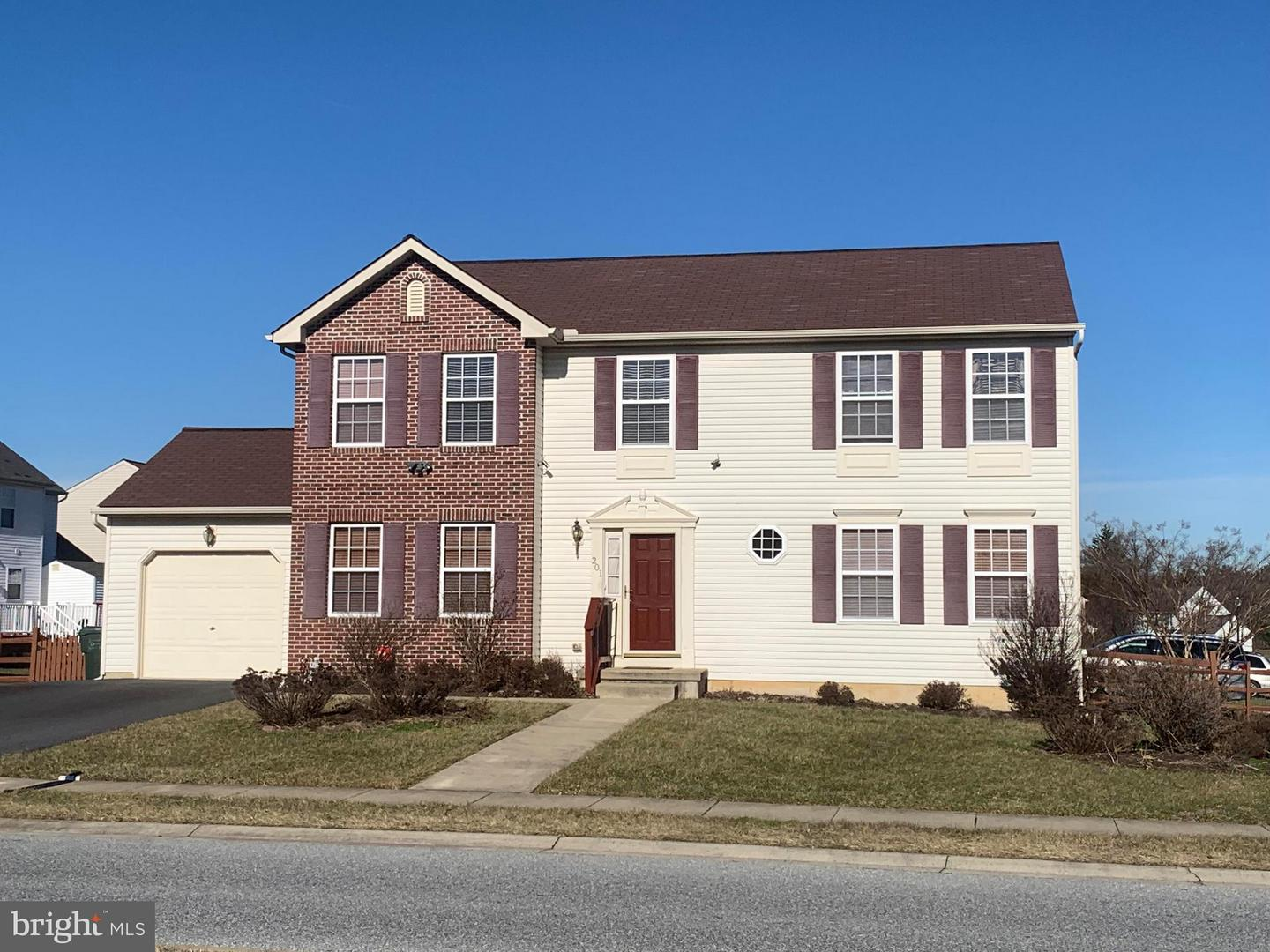 Photo of home for sale at 201 Harlequin Drive, New Castle DE
